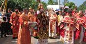În Duminica a V-a după Paști, ÎPS Mitropolit Vladimir s-a rugat în mijlocul creștinilor din s. Hrustovaia